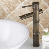 Faucet de bronze verde da bacia do banheiro de Flg com único punho
