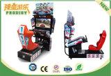 Машина аркады участвуя в гонке автомобиля имитатора Outrun видеоигрой для сбывания