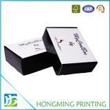 Empaquetage mat blanc de luxe de boîte en carton d'habillement