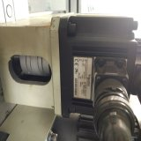 La pellicola mobile del nastro adesivo, rotola la macchina tagliante automatica del documento dell'etichetta adesiva
