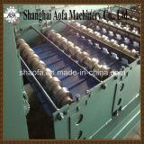 2機械を形作る挿入の幅によって波形を付けられる鋼鉄屋根ふきのパネルロール