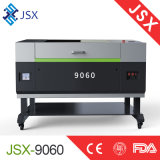 Pequeña muestra del CO2 Jsx9060 que hace la máquina de grabado de talla de acrílico del laser del no metal