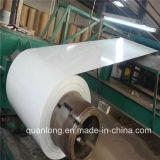 La perfection a enduit la bobine d'une première couche de peinture en acier galvanisée de Colorbond