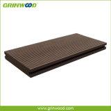 Planchers solides de Decking de WPC d'imperméable à l'eau réutilisé