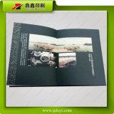 Libro grabado colorido de la cubierta de Semifold del papel de la textura