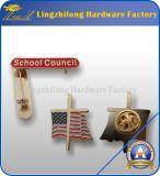 Произведенный фабрикой покрынный золотом значок школы