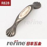 새로운 디자인 아연 합금 가구 풀 손잡이 (R-828)