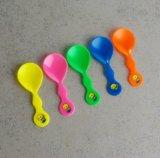 Colher colorida plástica descartável do gelado de Muti