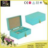 Свежая зеленая коробка ювелирных изделий кожи способа