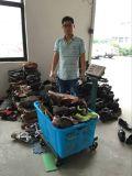In het groot Goedkope en Schone Gebruikte Kleding en Schoenen