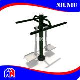 Напольное или крытое оборудование спортивной площадки пригодности гимнастики