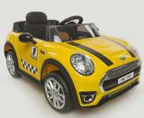 Kind-Elelctric genehmigte Fahrt auf Auto mit Fernsteuerungs