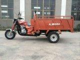 Motocicleta de 3 rodas com caixa longa