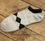 Form-gemütliche Baumwollknöchel-Socke des Mannes