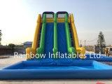 遊園地のための熱い販売の膨脹可能で巨大で高いスライド、膨脹可能な水スライド