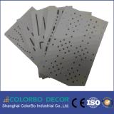 Los paneles de pared acústicos perforados de madera de la estructura coherente compacta