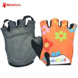 Medios niños del dedo del verano que completan un ciclo guantes de la bicicleta de la historieta de los guantes/guantes patinadores de los deportes