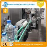 Una máquina de etiquetado principal automática del encogimiento de la funda para la botella