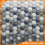 Bagno esagonale 0 del reticolo di gradazione blu. Mattonelle di ceramica della parete della stanza