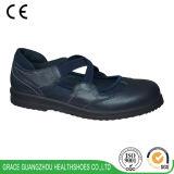 優美の健康は女性の浮腫の靴に蹄鉄を打つ