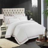 花の綿のホテルの寝具の贅沢な寝具セットの羽毛布団カバーはセットするシーツの寝具(DPFB80110)を