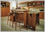 Nuovo disegno interno della cucina di legno solido, cucina classica del Governo
