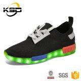 Het Unisex- Lichtgevende Licht van vrouwen en van Mannen op LEIDENE Schoenen in Fabriek Jinjiang