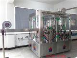 Máquina que capsula de relleno que se lava del agua del gas