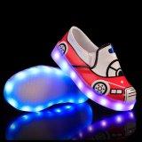 Slip-on LED는 아이들 춤 금 아이를 위한 낮은 발뒤꿈치 소녀 반짝임 LED 가벼운 단화를 불이 켜진다