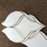 壁のための美しい水晶白いカラーラの白いWaterjetモザイク・タイル
