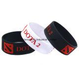 Bracelet coloré en caoutchouc de silicones de mode pour les cadeaux promotionnels