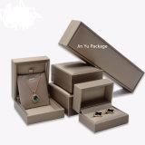 Rectángulo de empaquetado del regalo de cuero falso cuadrado grande de la joyería para el collar