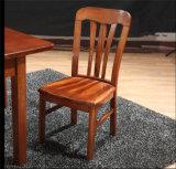 拡張可能上が付いている固体灰の木製のダイニングテーブル