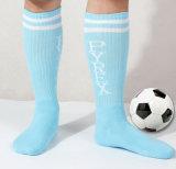 Neuer Entwurfs-Form-Baumwollsport-Großhandelsölerfilz schwitzte bunte Fußball-Strümpfe