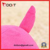 Le bébé coloré d'hippopotame badine le jouet mou de peluche