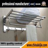 Accessoires réglables de salle de bains de fini de satin/crémaillère d'essuie-main Multi-Fuction de ajustement