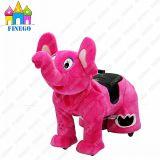 Giri animali dell'interno ambulanti del motorino dei capretti dell'elefante dei bambini di Finego