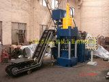 Kupferner Altmetall-Block, der Maschine herstellt