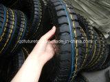 3개의 바퀴 기관자전차 타이어와 관