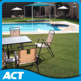 プールのまわりの庭のための自己弾力性のあるファイバーの人工的な草