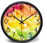 Petite horloge d'alarme silencieuse ronde classique fabriquée à la main en bois de hêtre de Snooze de Tableau avec le Nightlight