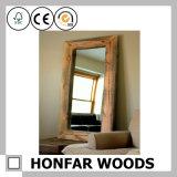 Полнометражное зеркало в деревянной рамке для домашнего украшения