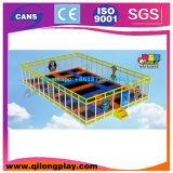 Projeto 2016 original do equipamento interno do campo de jogos para miúdos