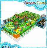 Campo da giuoco dell'interno dei bambini del labirinto della strumentazione molle di lusso di divertimento con il raggruppamento della sfera