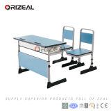 Nuevos escritorio y silla de la escuela del estilo para los muebles modernos del estudiante de la sala de clase