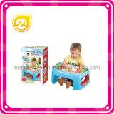 Ребенок учя игрушку таблицы игры таблицы