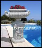 Potenciômetro de flor cinzelado do jardim do Sandstone