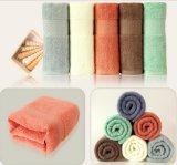極度の柔らかさの100%年の綿のギフトタオル