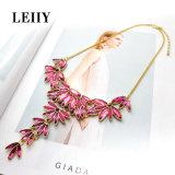 절묘한 로즈 빨간 모조 다이아몬드 수정같은 꽃 모양 맥시 계산서 목걸이