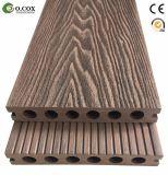 Деревянным выбитый зерном Decking напольного настила WPC деревянный пластичный составной